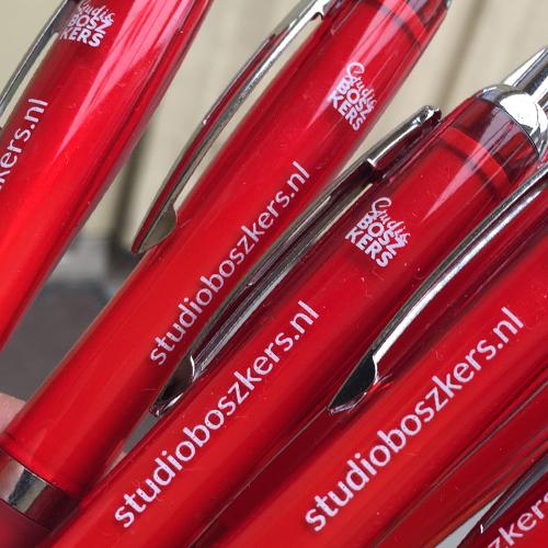 Studio-Boszkers-give-aways-pennen-001