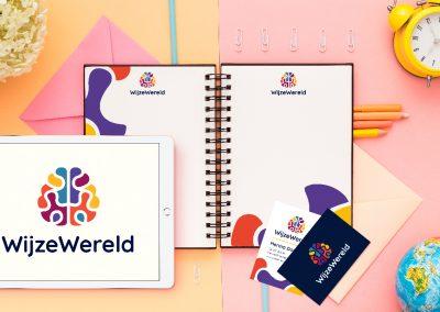WijzeWereld Logo en visitekaartje vormgeving